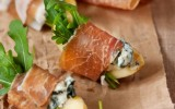 stuzzichini-aperitivi-light-mela-prosciutto-crudo-gorgonzola-blu-cheese